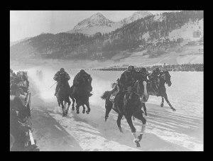 Une autre curiosité de ces jeux: la course de chevaux sur neige! En démonstration, ce sport ne reviendra pas par la suite. source: www.olympic.org