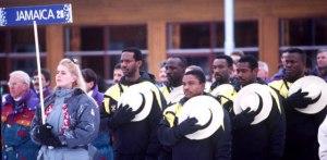 Les bobeurs jamaïcains font leur entrées lors de la cérémonie d'ouverture. Source: mentalfloss.com