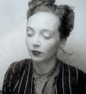 """Marguerite Duras (née le 4 avril). Écrivaine, dramaturge, scénariste et réalisatrice française. """"Un barrage contre le pacifique"""", """"Hiroshima, mon amour"""", """"L'Amant"""", """"L'Amant de la Chine du nord"""", """"L'Éden Cinéma""""."""