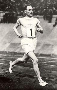 Paavo Nurmi, l'un des Finlandais volants. Source: olympic.org